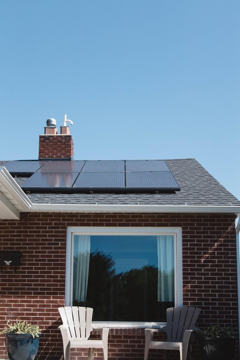 placas fotovoltaicas en el techo