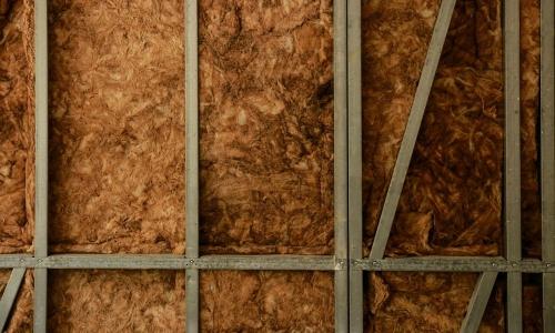 fibras de madera material aislante